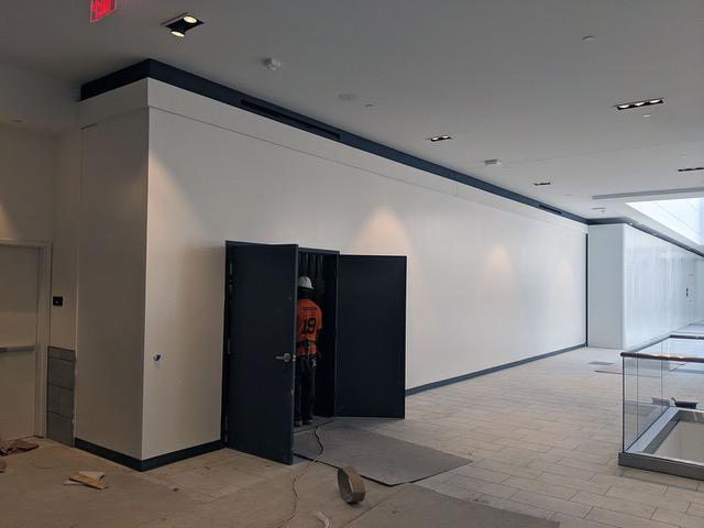 006 - 2019-08-21 Fashion Dist Phila - Unit 2170 - 'Selfie Station' LEFT Return (2nd Level)