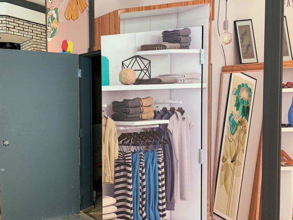 wall wrap vinyl graphic installation